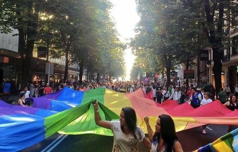 20130628_mani_orgullo_gay