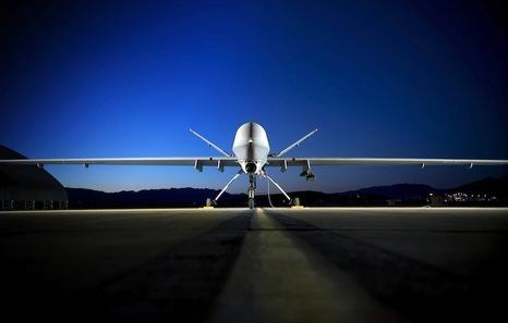 Drones: Usando aviones teledirigidos, EEUU, Israel... matan a miles de personas. 84519088