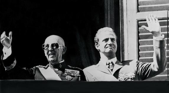 Un rey golpe a golpe. Biografía de Juan Carlos de Borbón. [HistoriaC] Par7895727