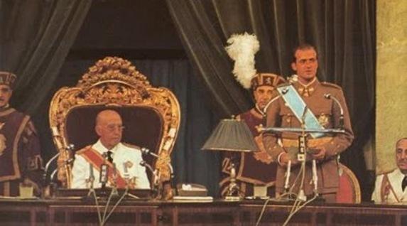 Un rey golpe a golpe. Biografía de Juan Carlos de Borbón. [HistoriaC] Franco_y_el_rey_proclamado