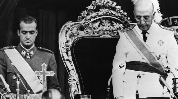 Un rey golpe a golpe. Biografía de Juan Carlos de Borbón. [HistoriaC] Franco_borbon