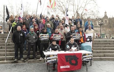 """Euskal Herria: Una multitud exige """"respeto a los derechos"""" de presos y exiliados. [vídeo] - Página 2 Int20160322003352"""