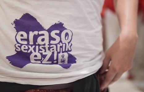Agresionsexistascamiseta