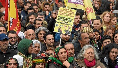 Kurdistán Norte [Turquía]: Represión, situaciones y conflictos. - Página 6 1106_mun_colonia