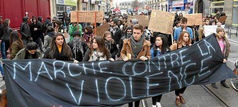 Francia: Una bomba de relojería en los suburbios [banlieue]. 0213_mun_burdeos