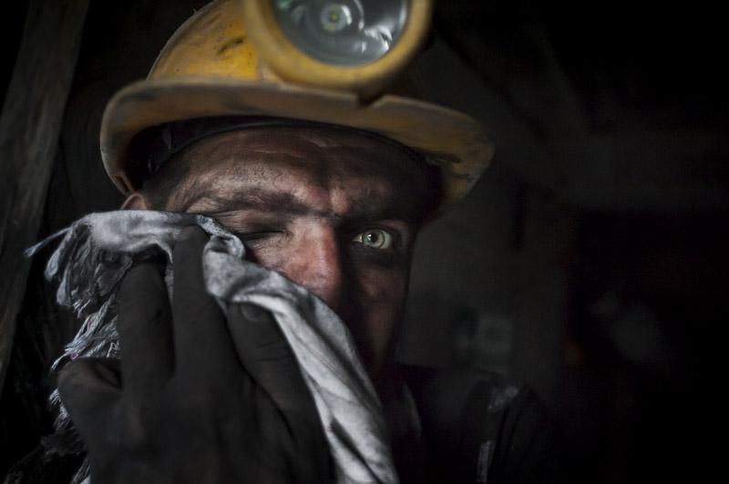 Colombia. «Guaqueros», mineros de piedras preciosas: esmeraldas ... 945_OROverde02
