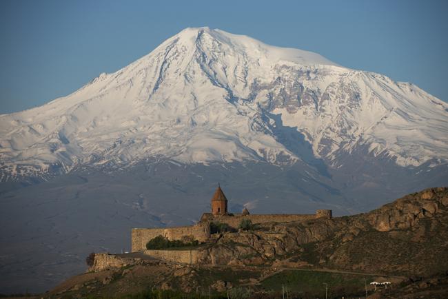 Armenia. Crece el apoyo al grupo que se hizo fuerte en una comisaría de la capital armenia. 951_Armenia_0_otra