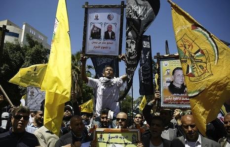 Palestina: Violencia ejercida por Israel en la ocupación. Respuestas y acciones militares palestinas. - Página 15 Presos-palestinos