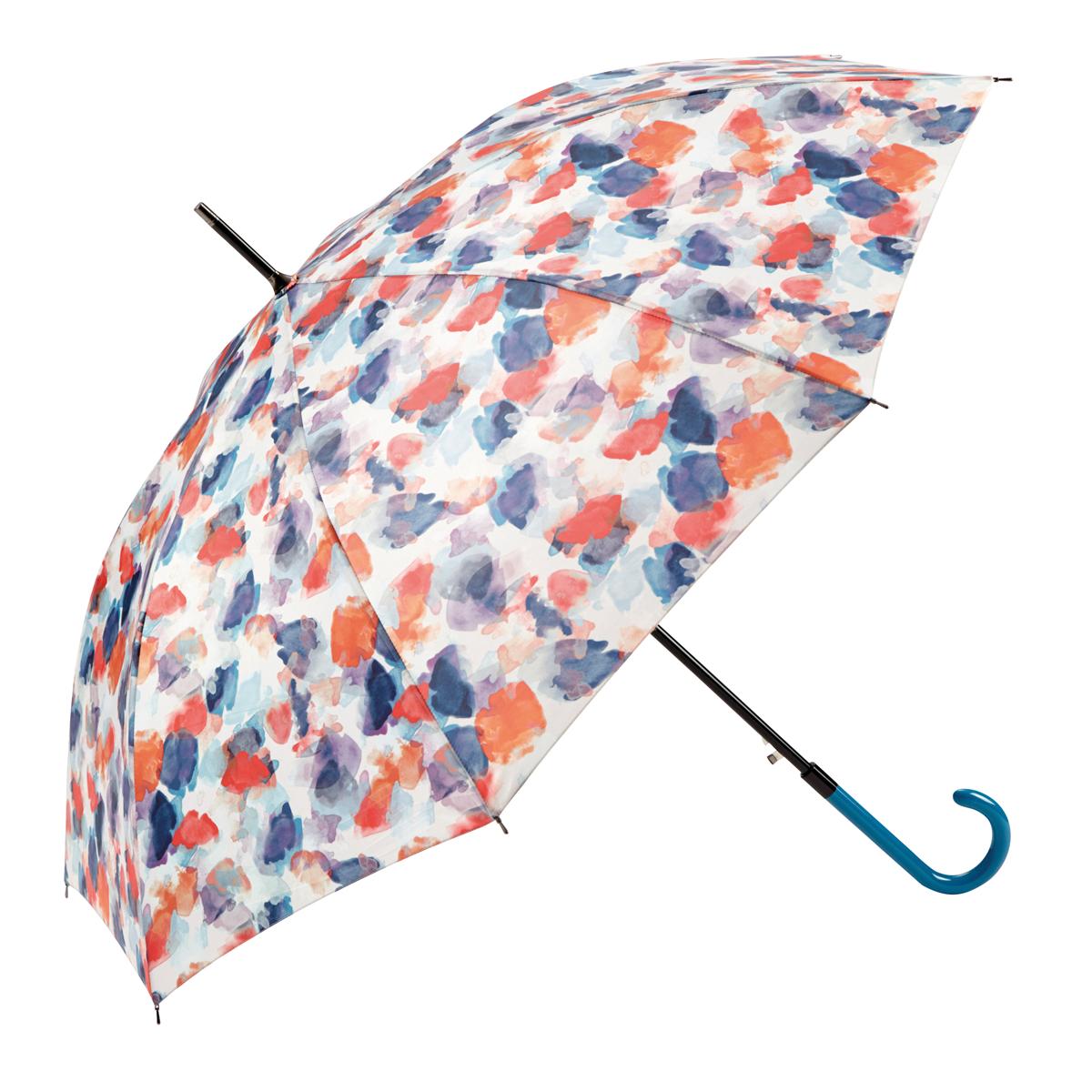 4759ab98a6c Cada año elabora más de treinta diseños solo para los paraguas largos.