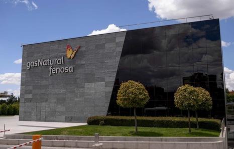 Gas natural acuerda trasladar su sede social a madrid y for Oficinas caixabank valencia