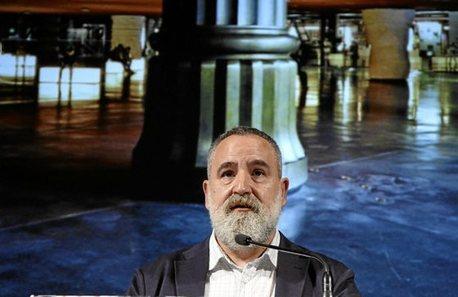 Fernando Pérez aboga por abrir la Alhóndiga a nuevas