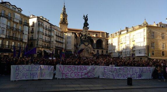 Plaza de la Virgen Blanca, en Gasteiz.