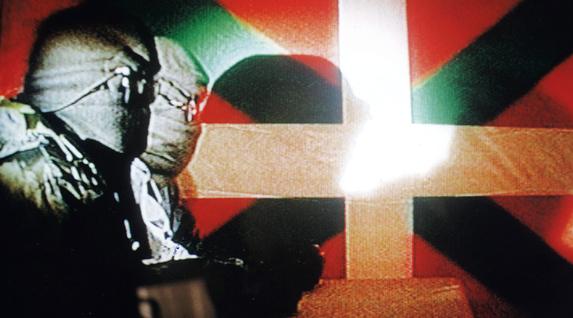 1998an Lizarra-Garazi prozesuan abian jarrita BBC katean elkarrizketa egin zieten ETAko bi ordezkariri.