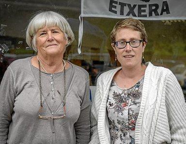"""Euskal Herria: Una multitud exige """"respeto a los derechos"""" de presos y exiliados. [vídeo] - Página 3 0615_eh_elkarrizketaxistor"""