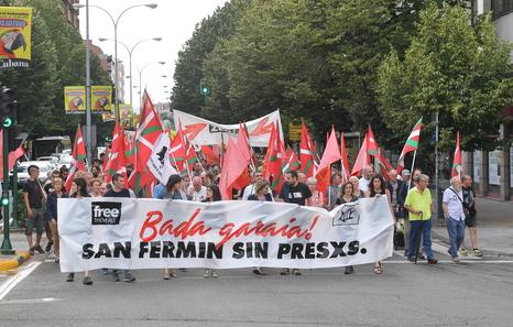 """Euskal Herria: Una multitud exige """"respeto a los derechos"""" de presos y exiliados. [vídeo] - Página 4 Presoak"""