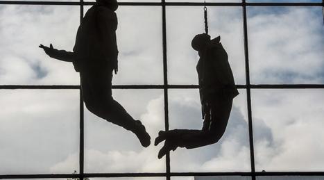 Hanging_figures