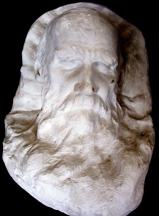 Leon Tolstoyren aurpegiari hil ondoren eginiko kareta.