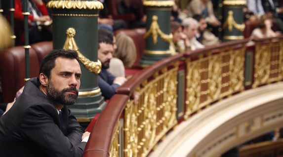 El presidente del Parlament catalán, Roger Torrent, ha estado presente en el Congreso. (POOL EFE)