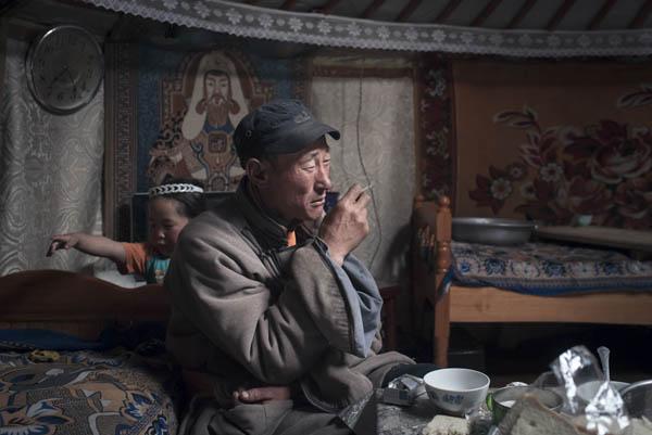 Mongolia: Votaciones, capitales extranjeros, minería del oro... salarios inferiores a 200 €. 063_MONGOLIA2