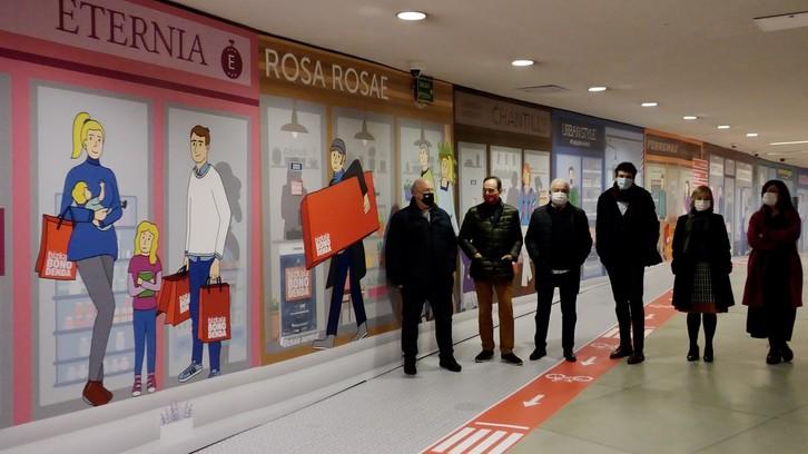 Responsables forales y del comercio de Bizkaia, en la presentación de la campaña.
