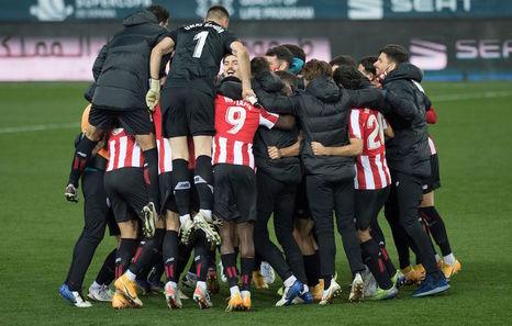 Elizegi recuerda a Garitano, Marcelino aplaude a la plantilla y Raúl García piensa en el Barça