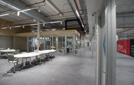 Inauguran en Zorrotzaurre el proyecto docente de industria 4.0 Bilbao As Fabrik