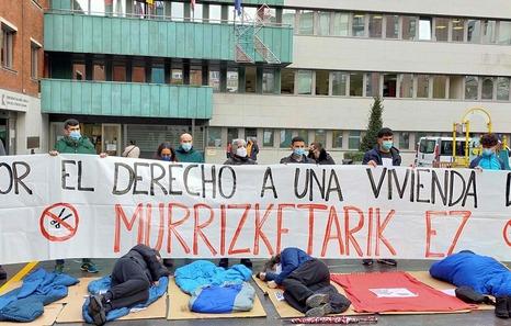 Berri Otxoak denuncia que Barakaldo deja a más de 30 personas sin hogar sin cobijo