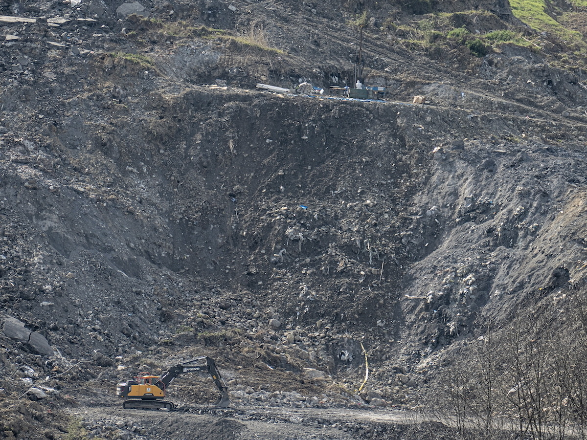 Zaldibar. Un vertedero industrial en el País Vasco, dos muertes... Zaldibar-derrumbe
