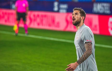 El Athletic recurre la sanción a Iñigo Martínez y solicita la suspensión cautelar