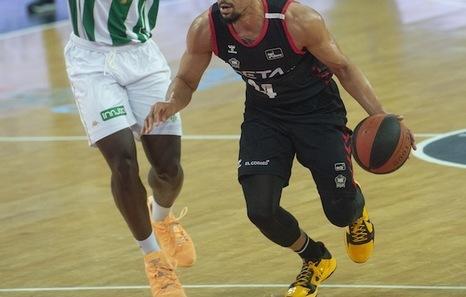 Birikak bete arnasa hartu du Bilbao Basketek Betisi azken unean irabazita (86-84)