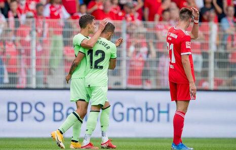 El Athletic cae en Berlín (2-1), además de lesionarse Iñigo Martínez y Petxarroman