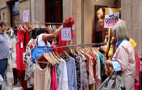 El mercado de gangas del Casco Viejo bilbaino vuelve a las calles